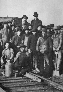 Chinese workers building Great Northern Railway 1909